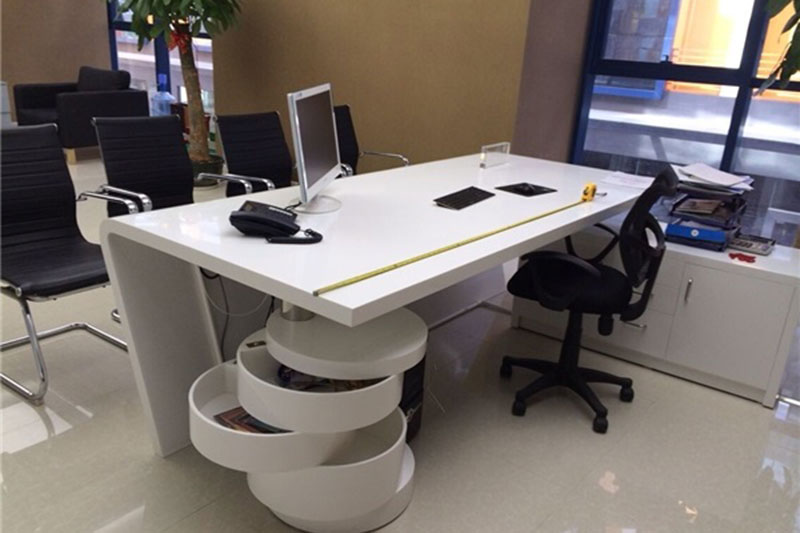 Modern Wooden Office Table010